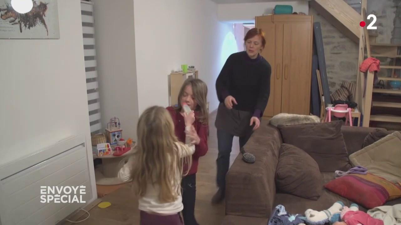 """VIDEO. Burn-out parental : """"C'est hyper stressant d'entendre des gamins hurler à longueur de temps"""""""