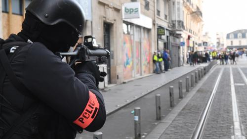 """""""Gilets jaunes"""" : le gouvernement a recensé plus de 13 000 tirs de LBD depuis le début du mouvement"""