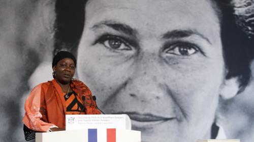 """""""Je suis une militante féministe née"""", affirme la lauréate du prix Simone Veil"""