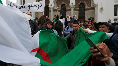 DIRECT. Algérie : une marée humaine défile dans le centre d'Alger contre un cinquième mandat d'Abdelaziz Bouteflika