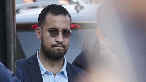 Alexandre Benalla a-t-il le droit de voyager hors de France malgré son contrôle judiciaire ?