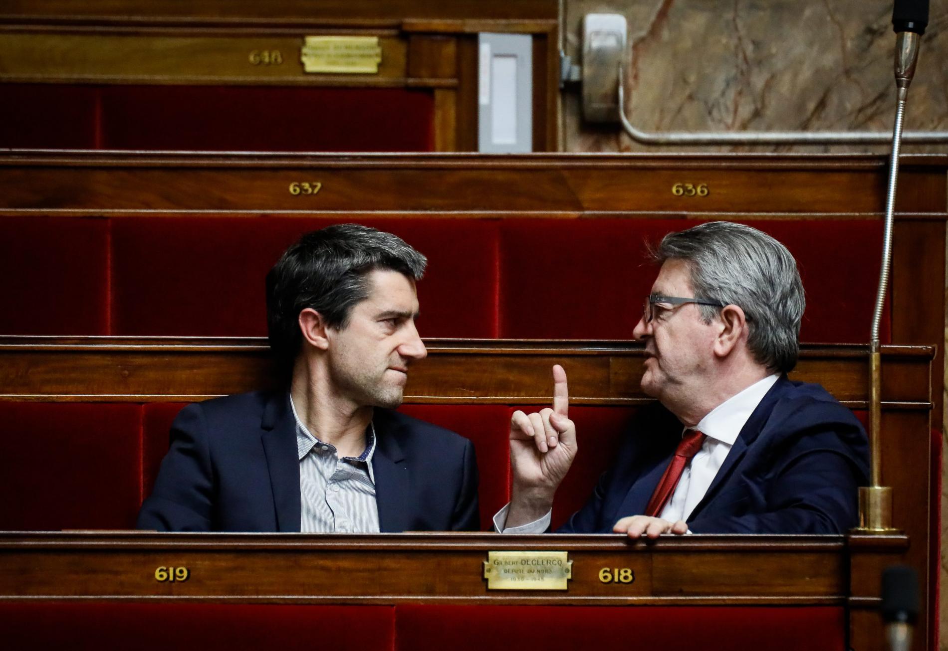 François Ruffin et Jean-Luc Mélenchon lors du vote de la proposition de loi adoptée par le Sénat visant à prévenir les violences lors des manifestations, le 5 février 2019.