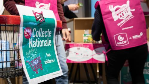 """Coronavirus : les Restos du CSur en appellent aux """"bénévoles en bonne santé"""" et aux """"dons"""" dans les départements où la collecte nationale est maintenue"""