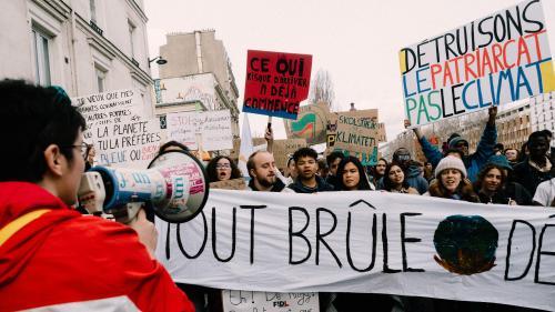 """Le président de l'Union nationale lycéenne """"pas disponible pour le débat le 15 mars"""" sur le climat : """"On a manif'"""""""