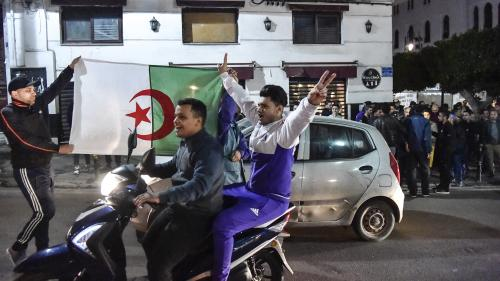 """Bouteflika retire sa candidature à la présidentielle algérienne : """"2019 restera comme la date de la libération pour tout un peuple"""""""