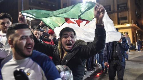 """DIRECT. Algérie : Emmanuel Macron appelle à """"une transition d'une durée raisonnable"""""""