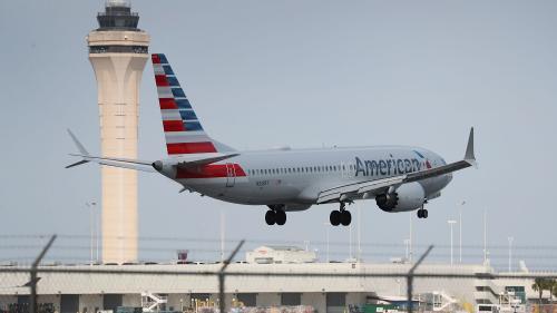 """""""Ces avions devraient être cloués au sol"""" : les Américains inquiets après le crash du Boeing 737Max"""