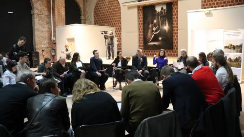 Huit Français sur dix veulent que la démarche de grands débats se poursuive à l'avenir, selon un sondage