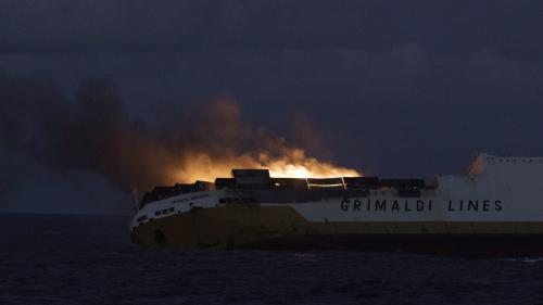 """""""Grande America"""" : les nappes de pétrole """"pourraient toucher le littoral français vers dimanche soir ou lundi"""", selon François de Rugy"""