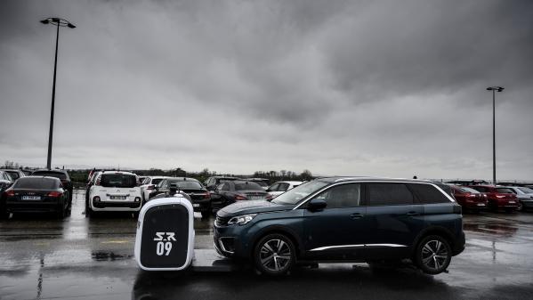 Première mondiale à l'aéroport de Lyon, qui lance un service de robot-voiturier