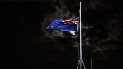 """DIRECT. Nouvelle-Zélande : au moins 49 morts dans un attentat contre deux mosquées de Christchurch, la reine Elizabeth II """"profondément attristée"""""""