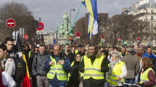 """DIRECT. Les """"gilets jaunes"""" misent sur un """"regain de mobilisation"""" pour leur """"ultimatum"""""""