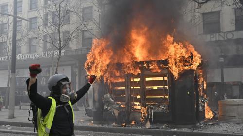 """RECIT. """"On ne s'attendait pas du tout à ça"""" : samedi, à Paris, la violence embrase la manifestation des """"gilets jaunes"""""""