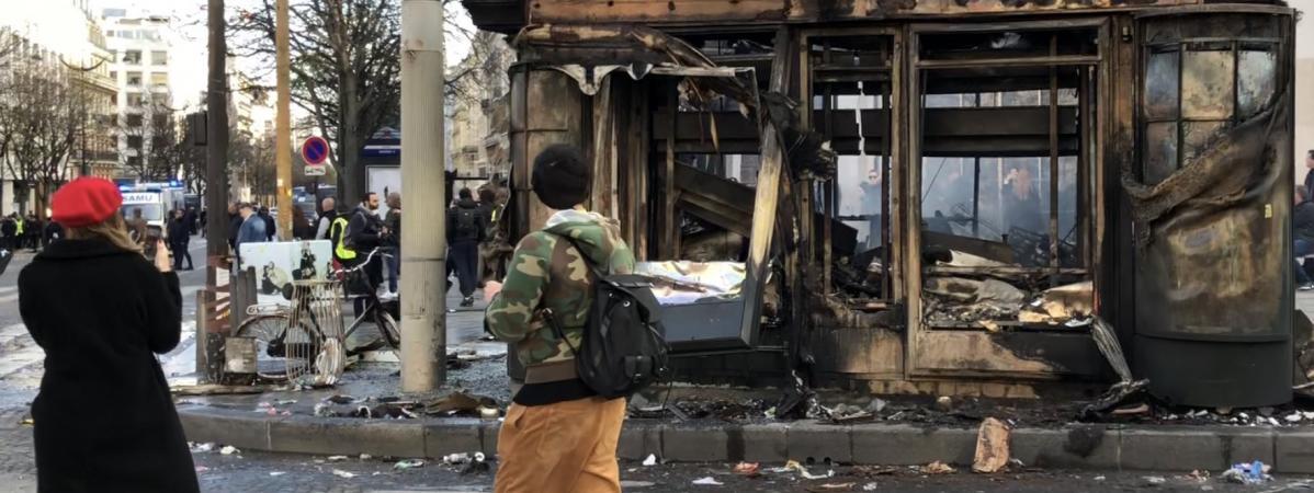 Violences sur les Champs-Élysées : «On était en mesure d'intervenir, on ne nous a pas autorisés à le faire», dénonce l'Unsa-Police