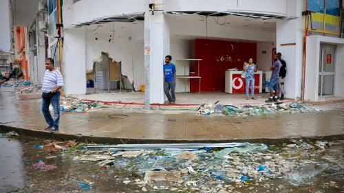 """VIDEO. """"Les tôles ont décapité des gens"""" : au Mozambique, des centaines de morts après le passage d'un cyclone"""