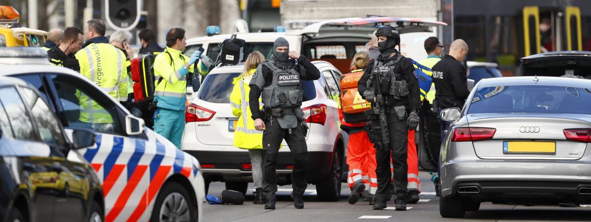 Les forces de l\'ordre interviennent à Utrecht (Pays-Bas), après une fusillade dans un tram, le 18 mars 2019.