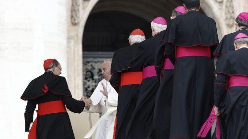"""Le cardinal Barbarin, """"un cas délicat pour le Vatican"""", selon un journaliste italien"""