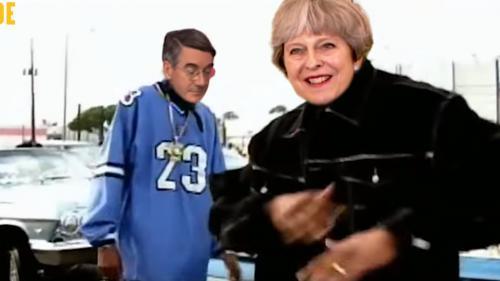 """VIDEO. Theresa May parodiée sur du Dr. Dre : """"Still M.A.Y."""", le son qui tourne en dérision le Brexit"""