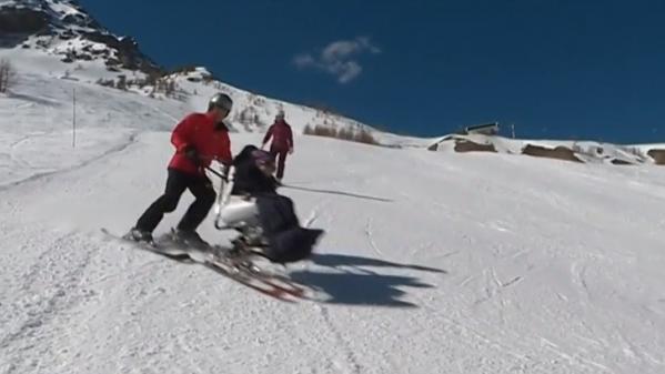 Alpes-de-Haute-Provence : les pensionnaires d'une maison de retraite dévalent les pistes de ski