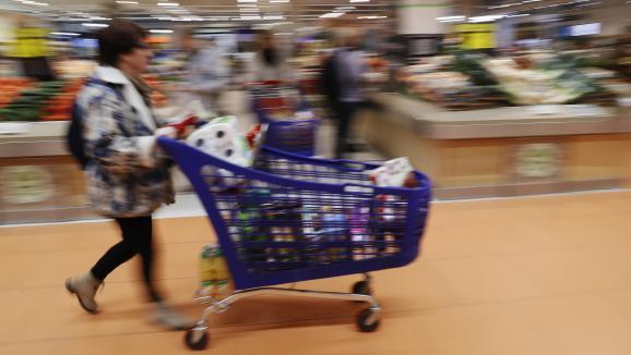 Le mot de l'éco. Carrefour : un modèle en bout de course ?