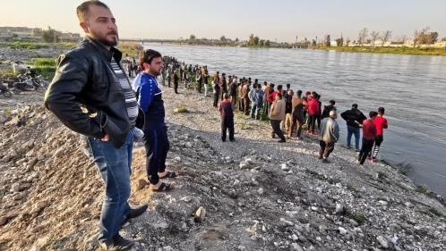 Irak : au moins 71 morts dans le naufrage d'un bac à Mossoul en plein Nouvel an kurde