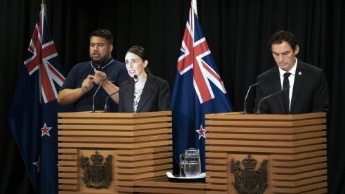 Après l'attentat de Christchurch, la Nouvelle-Zélande interdit la vente de fusils d'assaut