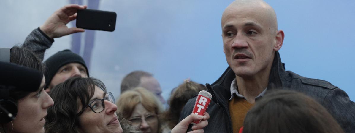 """""""Gilets jaunes"""" : l'ancien boxeur Christophe Dettinger suspendu de ses fonctions par la mairie d'Arpajon dans l'Essonne"""