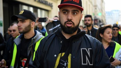 """VIDEO. """"Gilets jaunes"""" : Eric Drouet verbalisé à Paris pour """"manifestation non déclarée"""""""