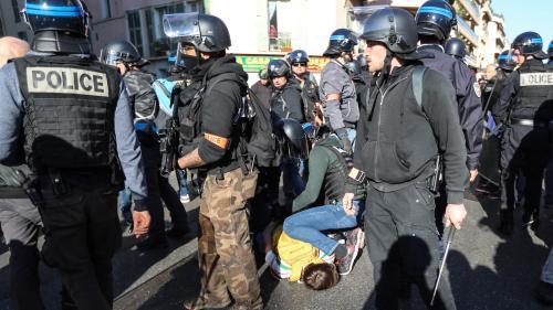 """Quatre questions sur les verbalisations lors des manifestations interdites des """"gilets jaunes"""""""
