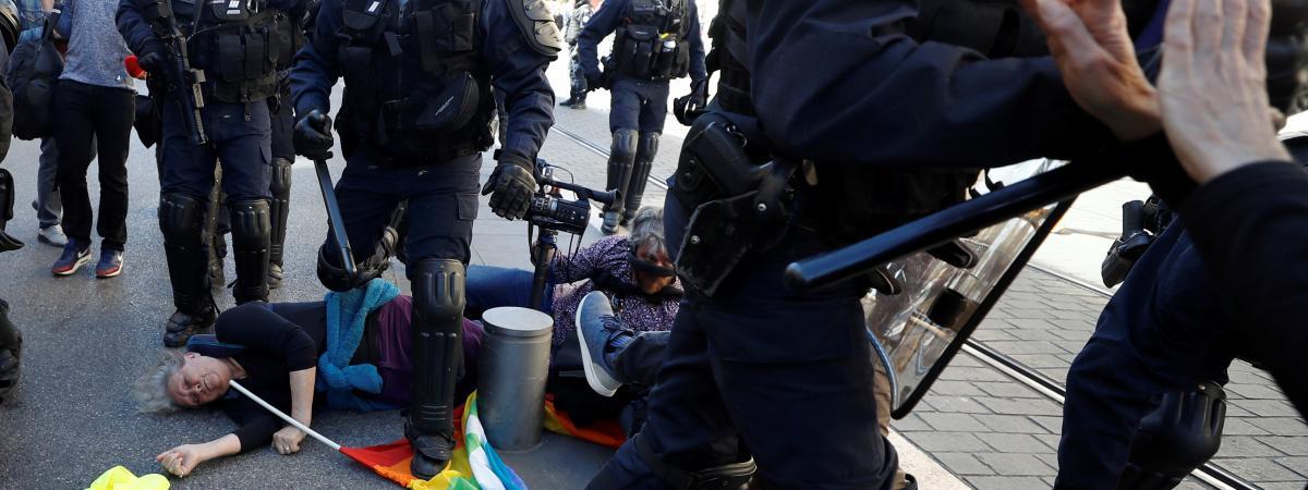 """""""Gilets jaunes"""" : ce que l'on sait de la septuagénaire grièvement blessée à Nice"""