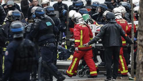 """""""Gilets jaunes"""" : un policier dans un """"état très sérieux"""" après avoir fait un malaise cardiaque à Paris"""