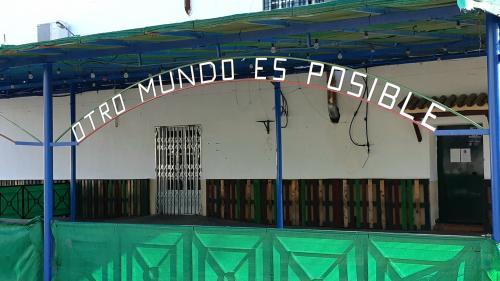 Coopérative communale, salaire unique, loyers symboliques... Dans ce village d'Andalousie, le débat citoyen, c'est tous les jours