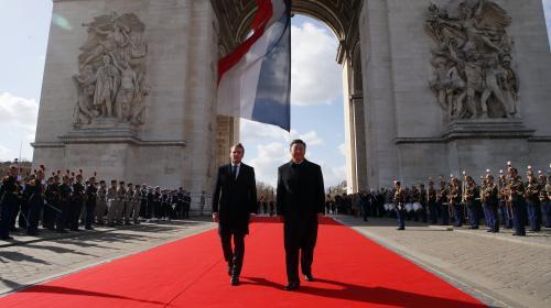 """DIRECT. Emmanuel Macron plaide pour un """"partenariat eurochinois fort"""" devant Xi Jinping"""