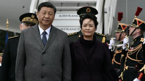 """""""C'est comme si la Chine voulait passer outre l'UE"""" : un chercheur décrypte la visite de Xi Jinping en France"""
