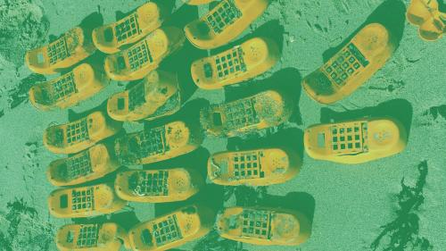 Grâce à #AlertePollution, une association retrouve l'origine des téléphones Garfield qui polluent le Finistère depuis plus de trente ans