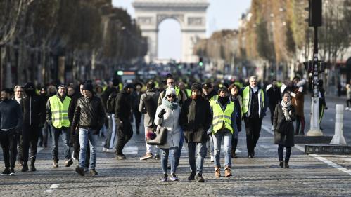 """Des """"gilets jaunes"""" vont déposer une demande officielle de manifester samedi prochain sur les Champs-Elysées"""