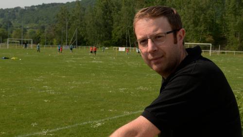 """Homophobie dans le football : """"Dire 'je suis homosexuel', même pas en rêve, on n'est pas prêt d'y arriver"""""""