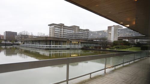 Essonne : trois agents de la préfecture soupçonnés de corruption en garde à vue https://l.leparisien.fr/Htl-i