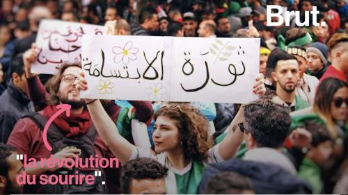 """VIDEO. Algérie : les manifestants continuent de se mobiliser pour la """"révolution du sourire"""""""