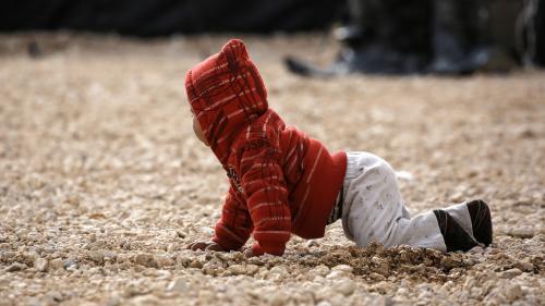 Un bébé de 3 ans et demi, fille d'une jihadiste française condamnée en Irak, rapatrié en France