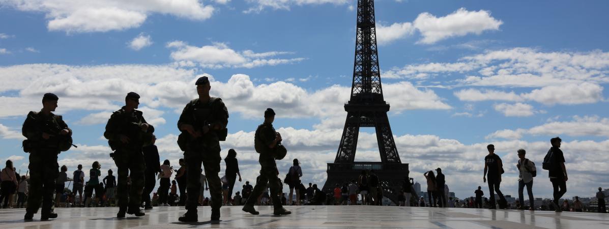 Vous en parlerez aujourd'hui. Selon un sondage, un français sur deux serait favorable à l'arrivée d'un mili...