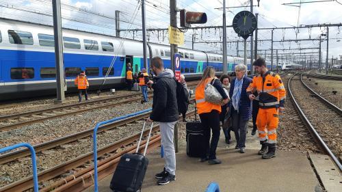 Rennes : il déclenche une fausse alerte à la bombe pour ne pas rater son train et paralyse le trafic pendant deux heures