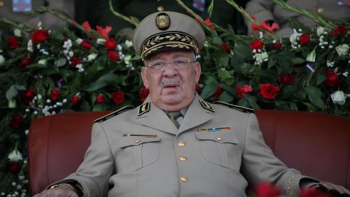 """Algérie : l'armée réclame un départ """"immédiat"""" du président Abdelaziz Bouteflika"""