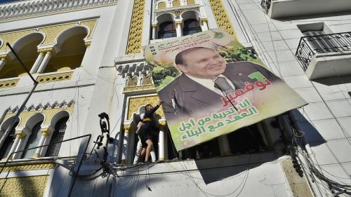 """RECIT. """"On a fait tomber le roi de l'échiquier"""" : comment en deux mois les Algériens se sont levés face au clan Bouteflika"""