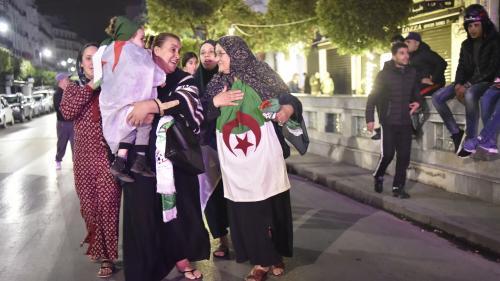 """Algérie : """"Le combat continue, ce n'est pas encore la victoire finale"""", clament les habitants d'un pays sans Bouteflika"""