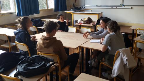 """""""Ce qui freine, c'est nos représentants"""" : les jeunes mobilisés pour le climat n'attendent rien des élections européennes"""
