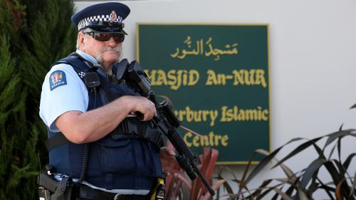 Attentats de Christchurch : le suspect des attaques contre des mosquées devra répondre de 89 chefs de meurtre et tentatives de meurtre