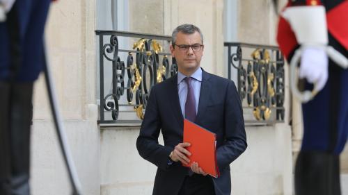 Trois collaborateurs d'Emmanuel Macron convoqués par la justice pour s'expliquer sur les passeports diplomatiques d'Alexandre Benalla