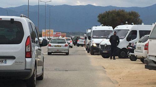 """Corse : les trafics ferroviaire et aérien fortement perturbés par l'""""Isula morta"""""""