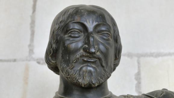 Statue du roi François Ier, par un sculpteur inconnu du XIXe siècle, exposée au château de Chambord (Loir-et-Cher).